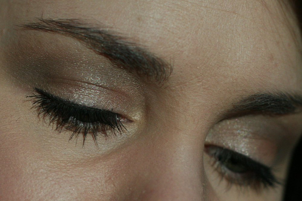 I applied Once Upon a Time all over the lid. Then I added some MAC Concrete in the crease for some dimension and MAC Retrospeck on the browbone and the tear duct for some light. I finished with MAC Fluidline in Blacktrack, Benefit They're Real! Mascara in Black, and Clinique Bottom Lash Mascara in Black.