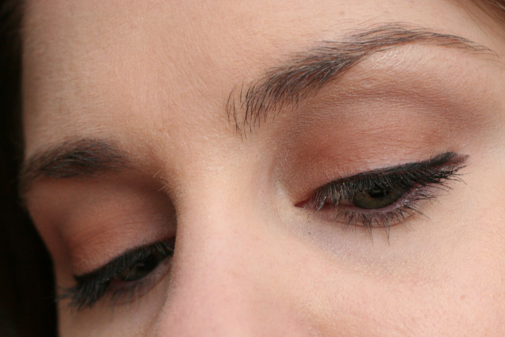 Mary Kay Mineral Eye Color In Hazelnut applied over MAC Paint Pot in Painterly.