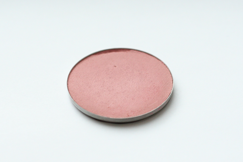 Clinique Soft-Pressed Powder Blusher in New Clover (sample size).