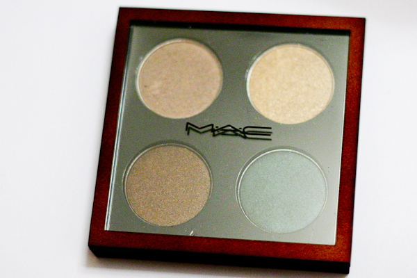 MAC Bare My Soul eyeshadow quad. Please excuse the dust spot on the lid.