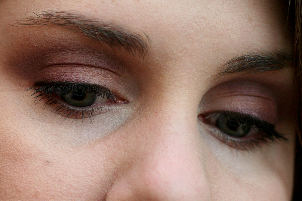 MAC eyeshadow in Brazenly (outer lid, crease) and Glimpse of Flesh (inner lid, lower lash line).