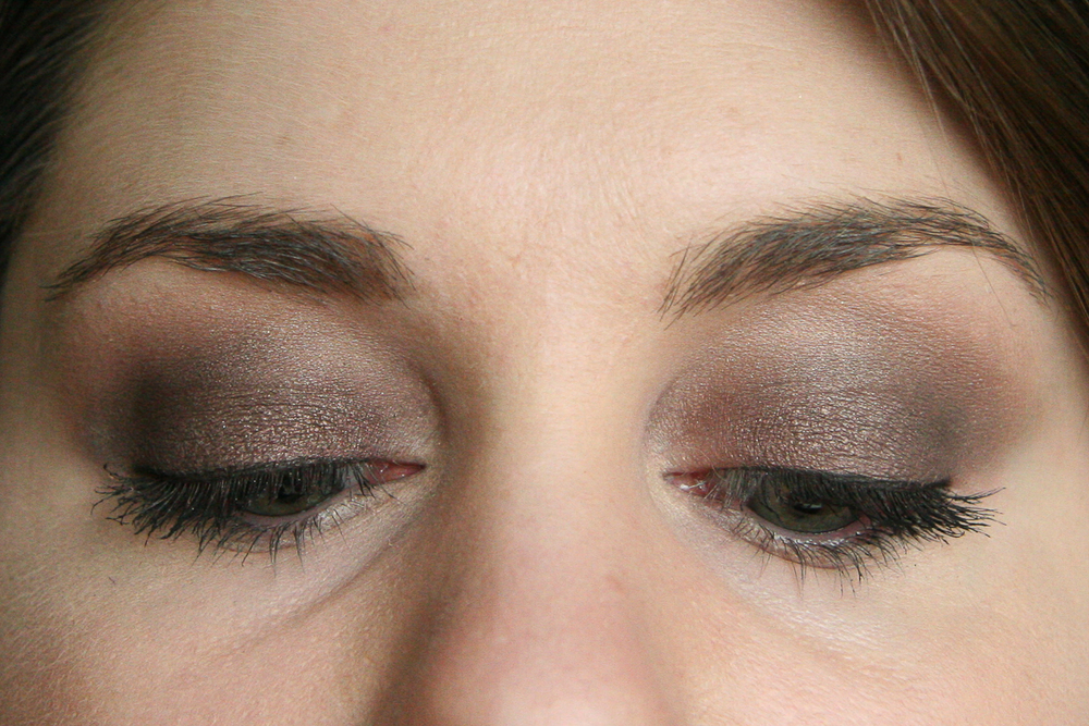 Same look, different angle with MAC Pro Longwear Paint Pot in Constructivist. I applied the colour to my lid with a dense eyeshadow brush, then blended through the crease with a blending brush (I believe it was the MAC 217).