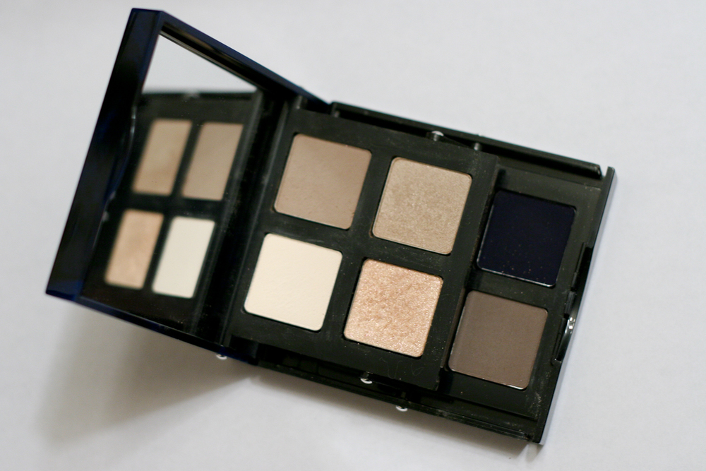 When you open up Bobbi Brown's Navy and Nude Palette, it looks like this.