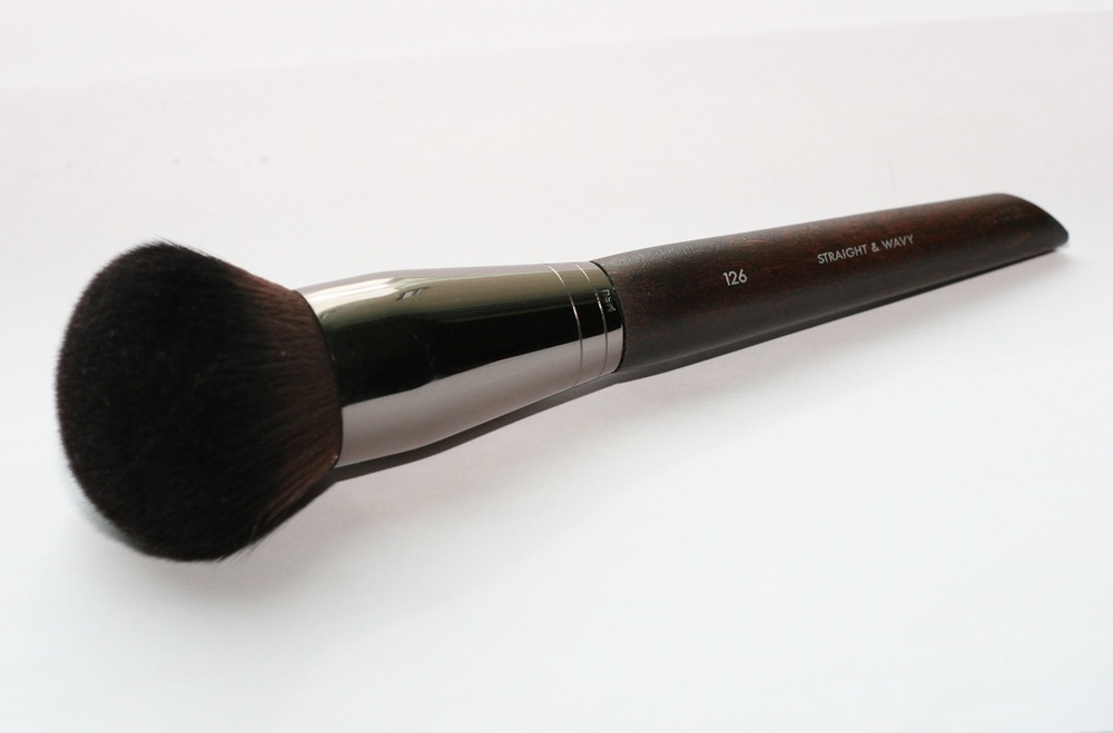 Make Up For Ever Medium Powder Brush 126.