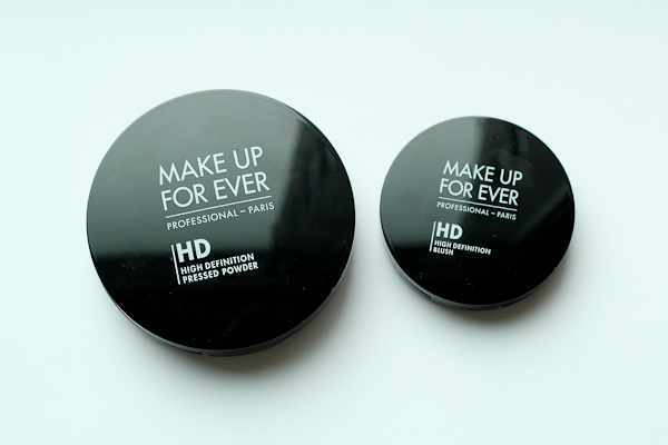 A size comparison of Make Up For Ever HD Pressed Powder (left) and HD Blush (right).