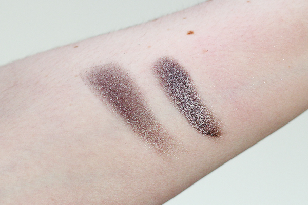 Swatches of Clarins Smoky Plum Ombre Minéral Mono Eyeshadow. Left: Dry. Right: Wet.