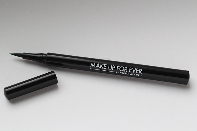 Make Up For Ever Graphic Liner