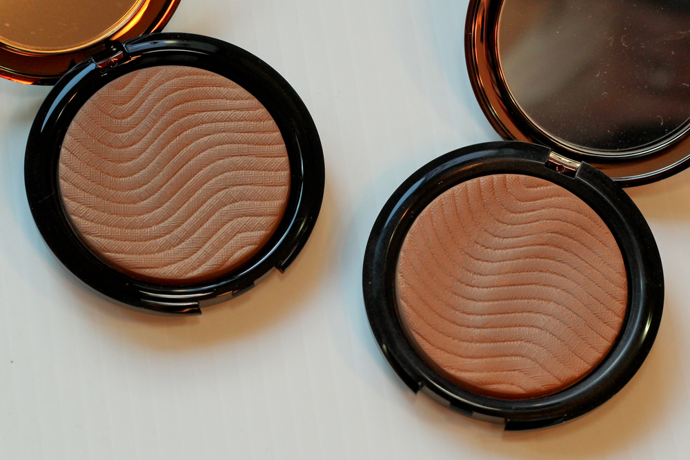 Make Up For Ever Pro Bronze Fusion Bronzer Compacts in 15i Amber (left) and 10M Honey (right).