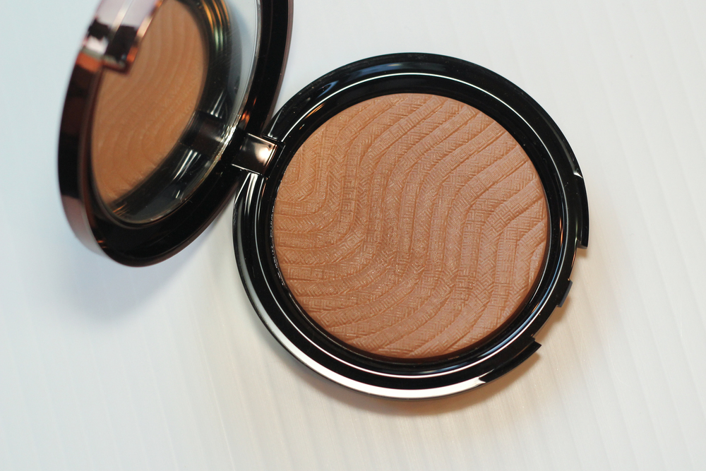 Make Up For Ever Pro Bronze Fusion in 15i Amber.
