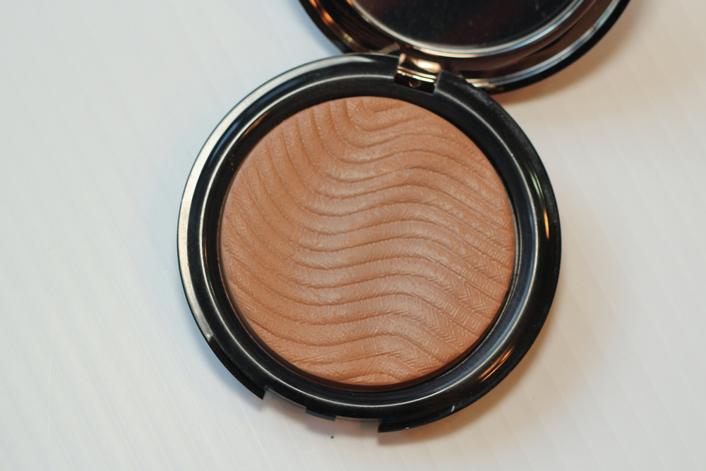 Make Up For Ever Pro Bronze Fusion in 10M Honey.