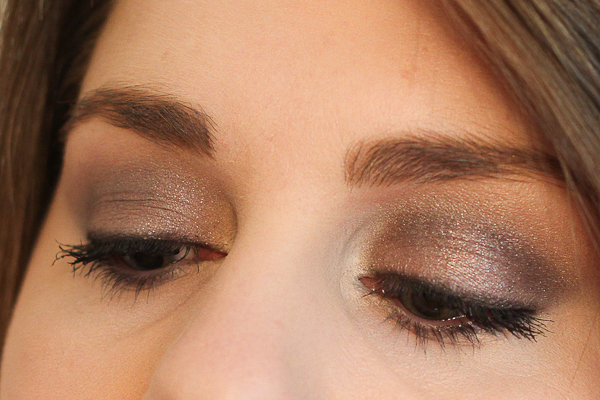 One of my favourite purple eye looks featuring Clarins Smoky Plum Mono Mineral Eyeshadow.