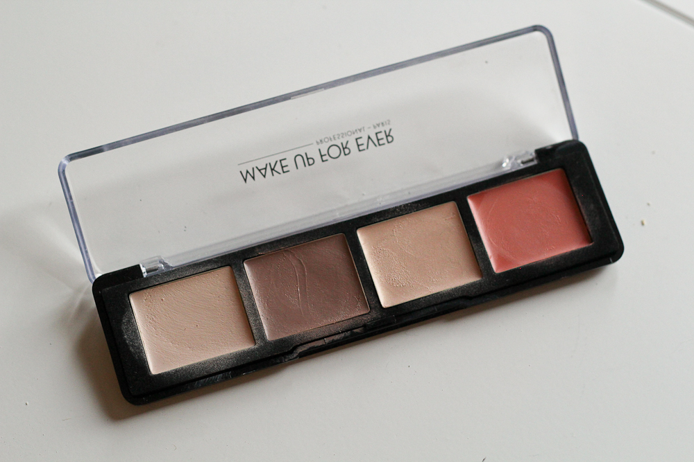 Make Up For Ever's Pro Sculpting Palette in 20 (the lightest available).