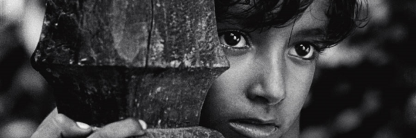 A scene from Satayajit Ray's  Pather Panchali  - the first film in the Apu Trilogy {Photo: JANUS FILMS}