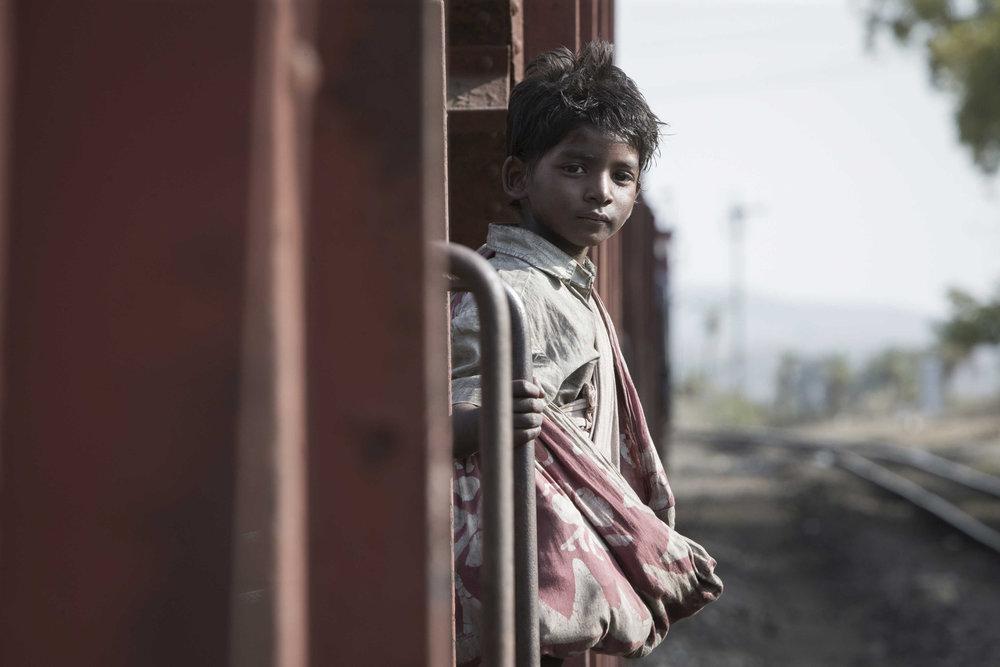Sunny Pawar in a scene from Garth Davis'Lion {Photo: THE WEINSTEIN COMPANY}