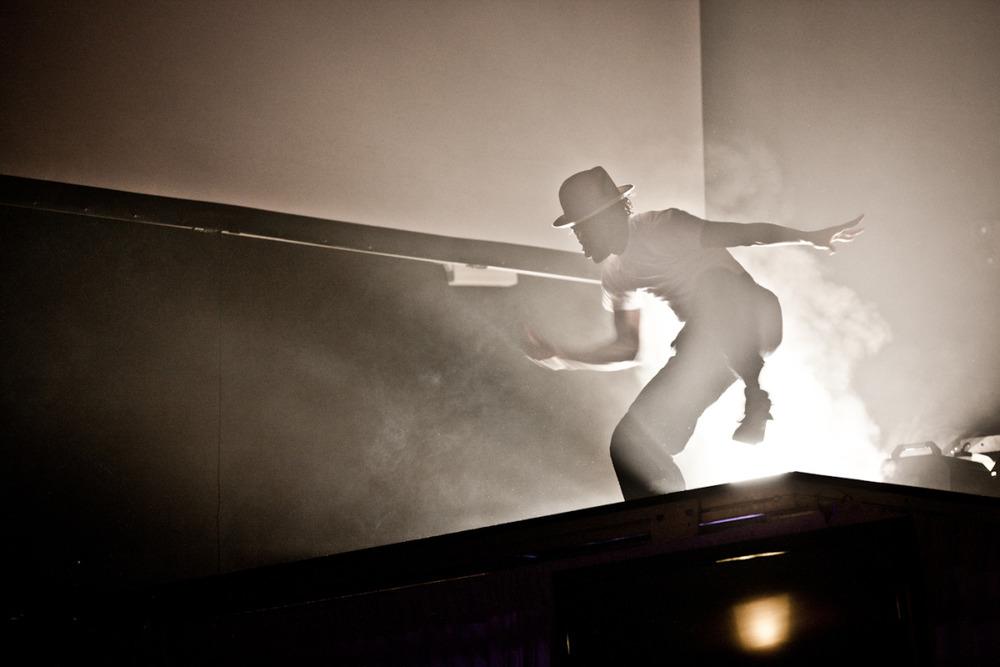 madonna_silhouette_dancer.jpg