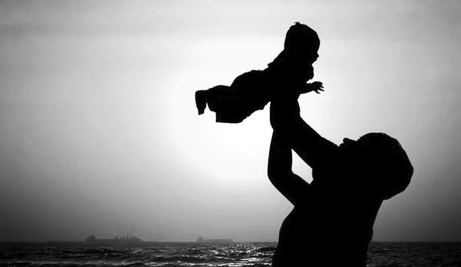 La Fête des pères. Une jour qui passe, comme tous les autres, sauf celui de la Fête des mères.