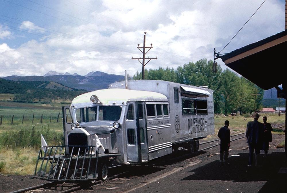 RGS 5 Galloping Goose scene at station 1950s.jpg