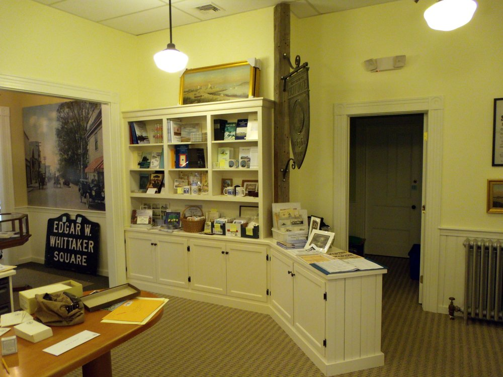 Laidlaw Center Gift Shop