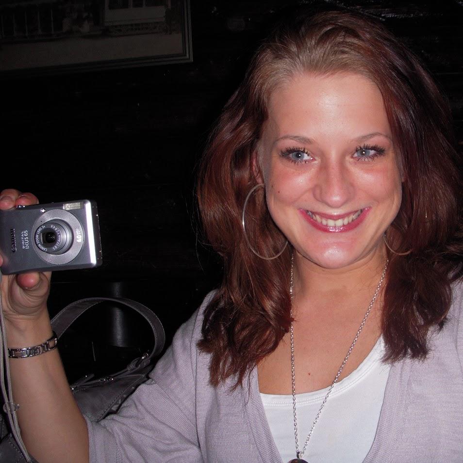 Jo förstår ni barn, förr om åren fick tant Denice ha med sig kameran om det skulle bli några bilder tagna.
