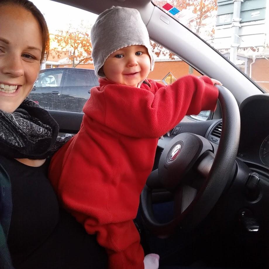 Bebis kör bil