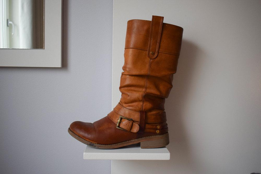 bruna stovlar