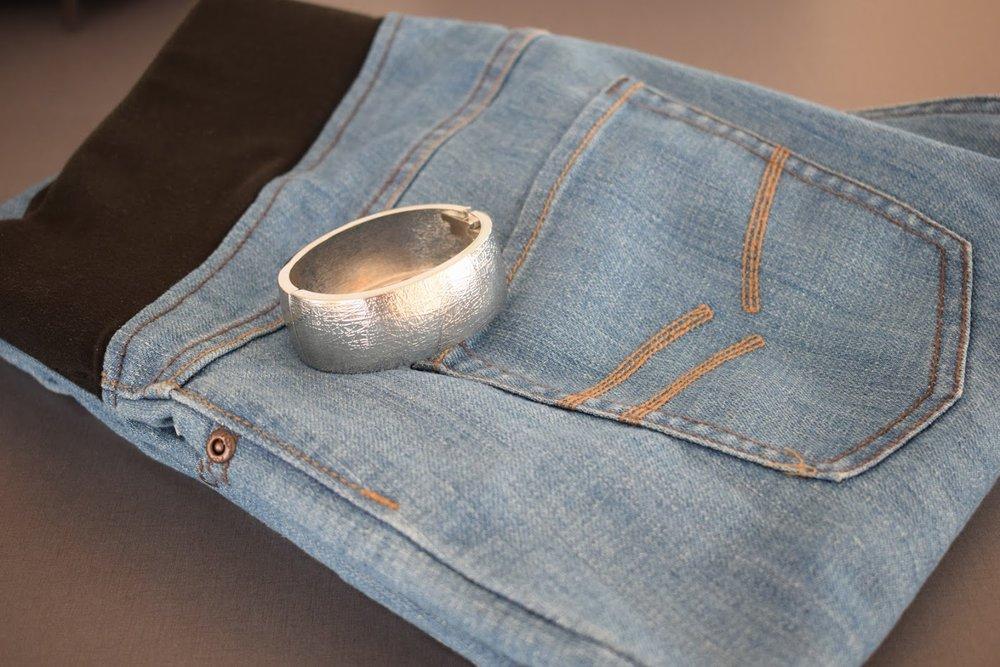 Jeans och armband