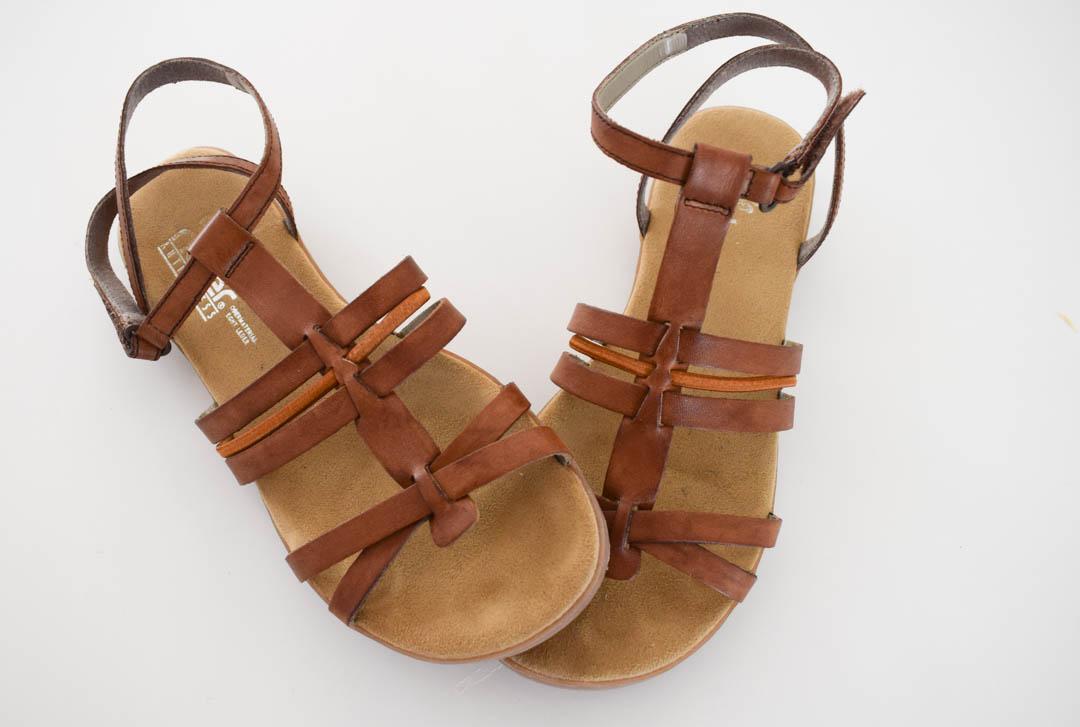 Mitt favoritmärke, Rieker, som gör grymt sköna skor. Jag har velat ha bruna sandaler ända sedan jag tappade bort de jag hade sommaren 2009, så det här var på tiden. Länk (Footway)