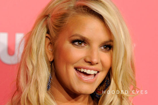 jessica-simpson-hooded-eyes.jpg