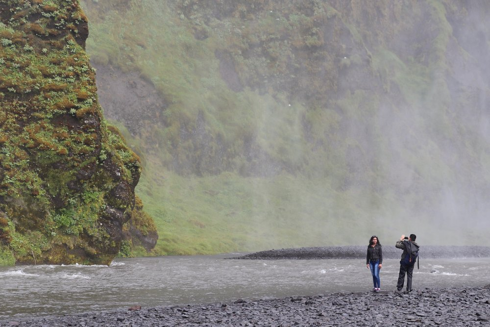 couple-photograph-waterfall-iceland
