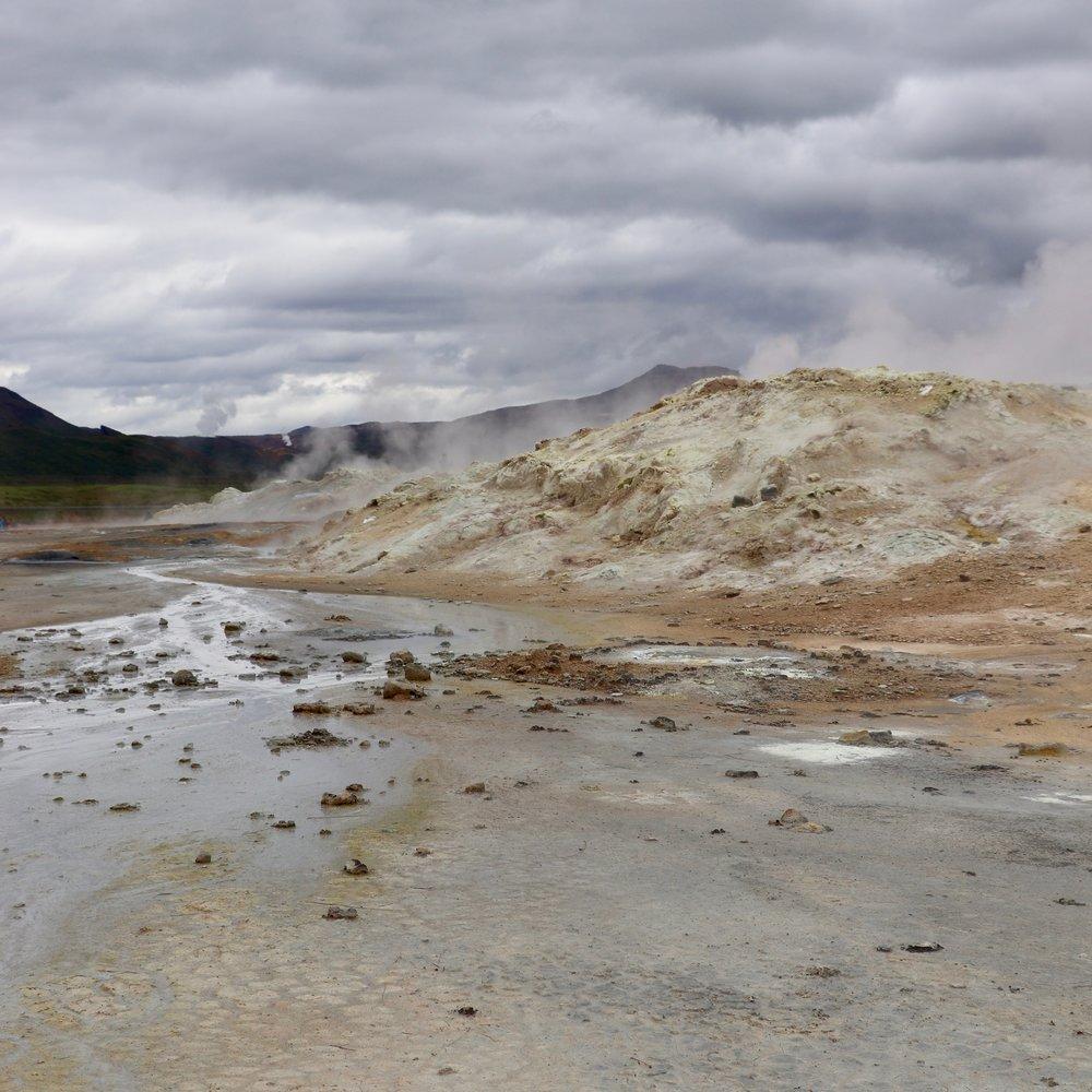 iceland-geothermal-landscape-2