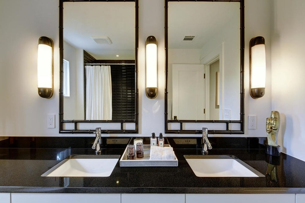 page_home_design_master_black_bath.jpg