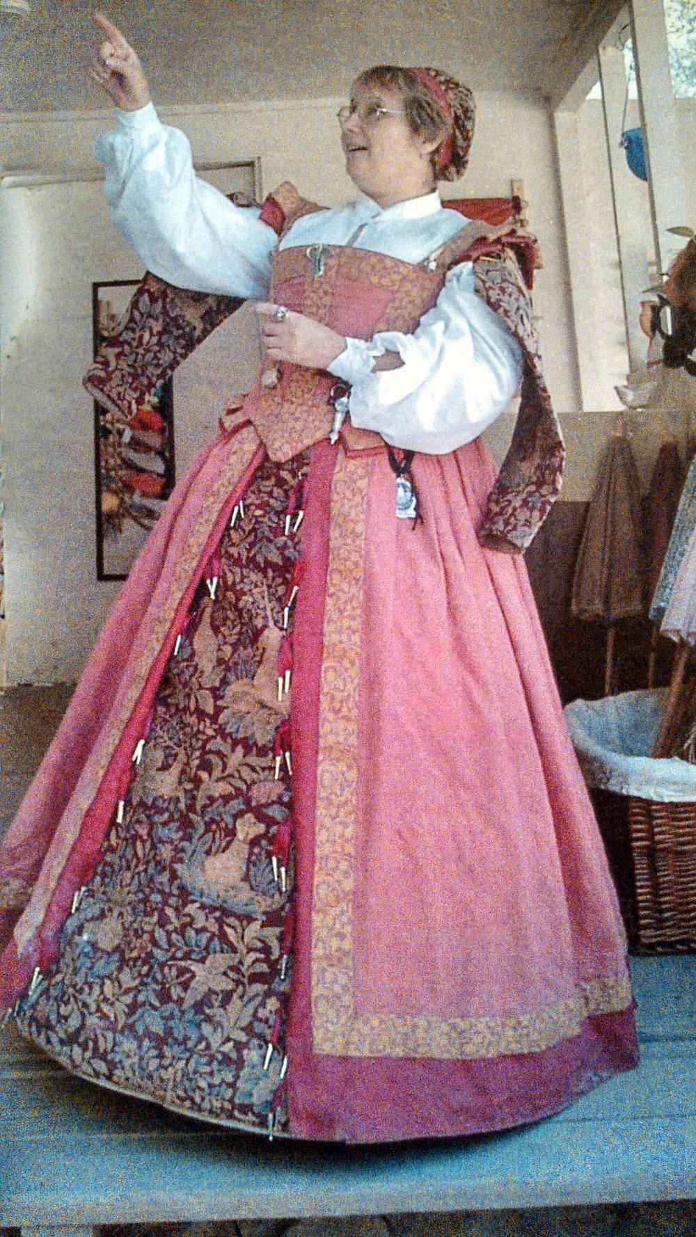 Renaissance/Elizabethan middle class outfit.