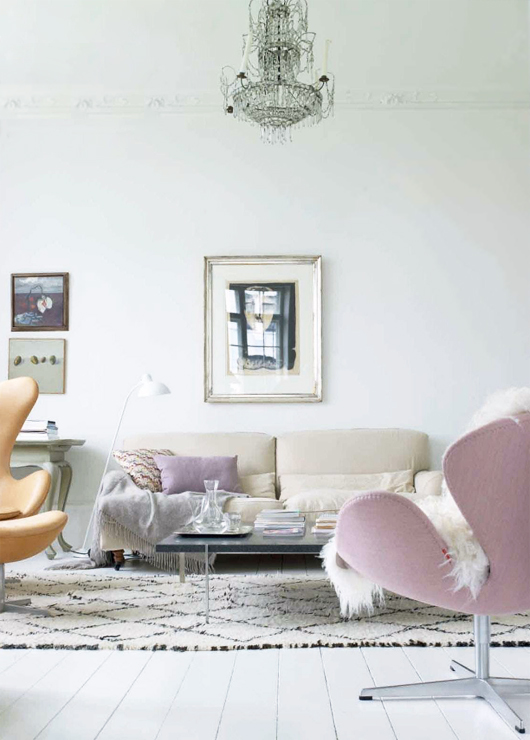 pale-pink-and-cream-room