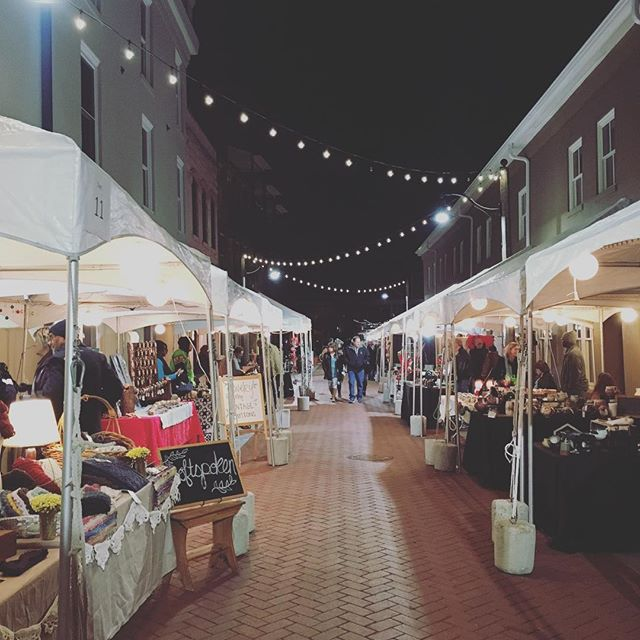 Was a vendor at the most adorable holiday market this weekend in Spartanburg. Thanks for making it happen @hubbubsc #hubbubholidaymarket #hubbub #hubbubsc #spartanburgsc #crochet #craftshow #fiberart #fiberartist #crochetaddict