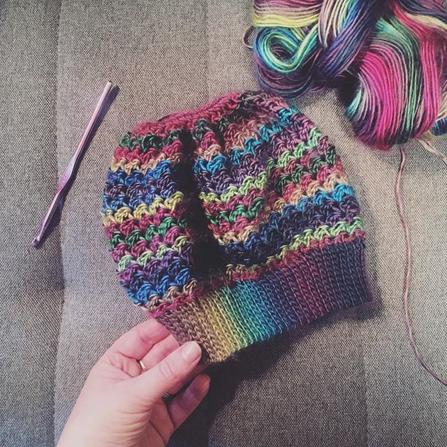 🙈😐Made a bun beanie. Honestly, these aren't my thing, but a family member requested one!  This pattern was nice though and may make one for myself without the opening at the top. It's the Kaycee Bun Hat on Ravelry if you're interested! 😐🙈 #crochet #handmade #bunhat #messybunhat #crochetbunhat #crochetmessybunhat #handcrafted #diy #crochetlove #rainbow #yarn #yarnporn #ravelry #yarnlove #yarnaddict #crochetaddict #crochetgirlgang