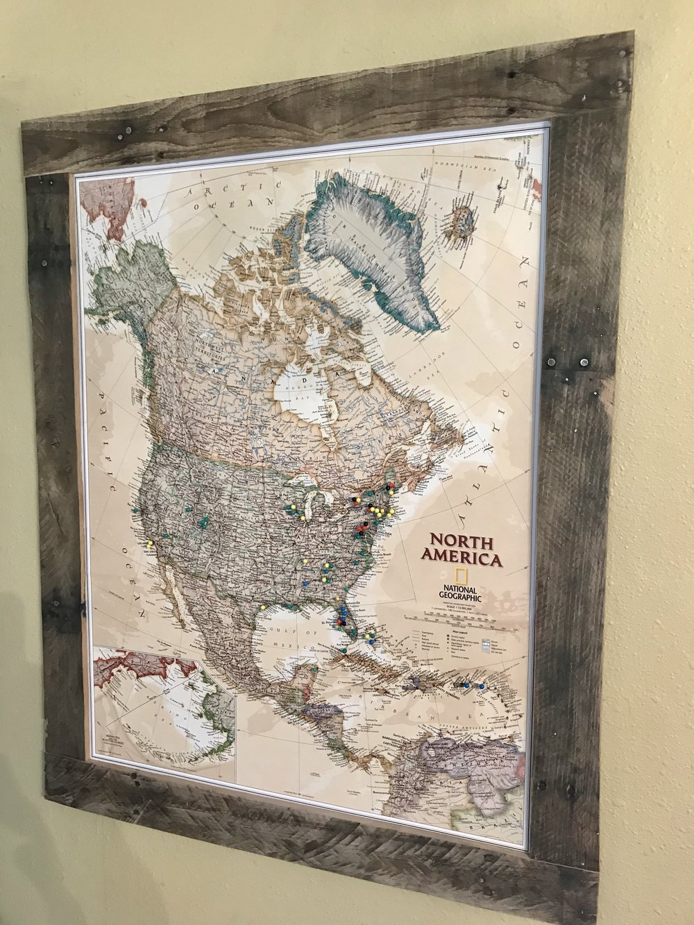 Pin-able World Map - Pallet Wood