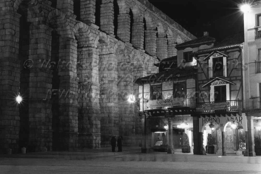 Aqueduct_Night_6129_07A.jpg