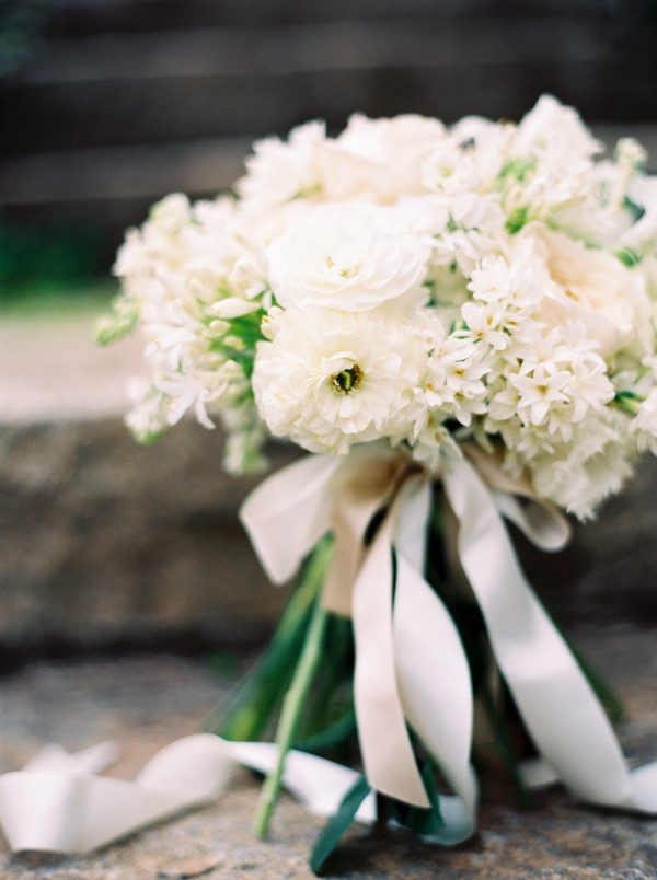 spring-white-wedding-bridal-bouquet-600x804.jpg