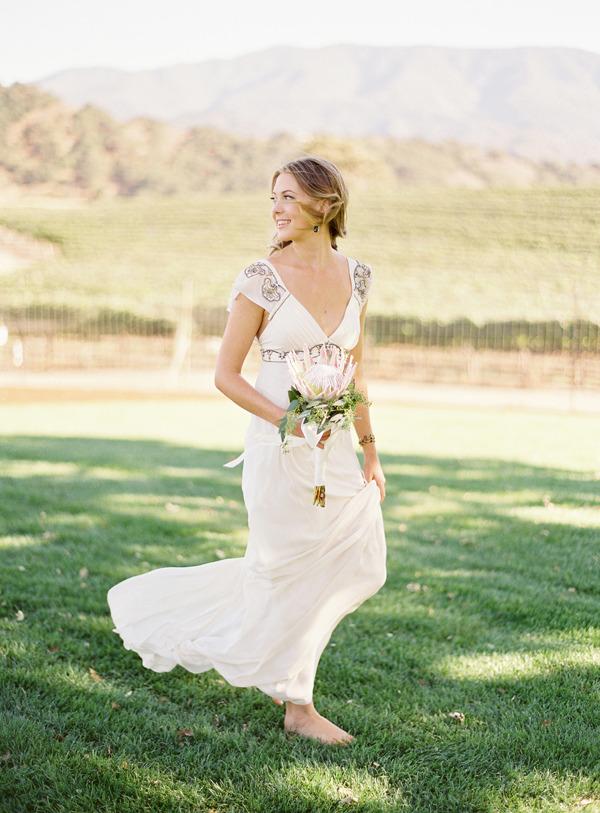 barefoot-bride-california-vineyard.jpg
