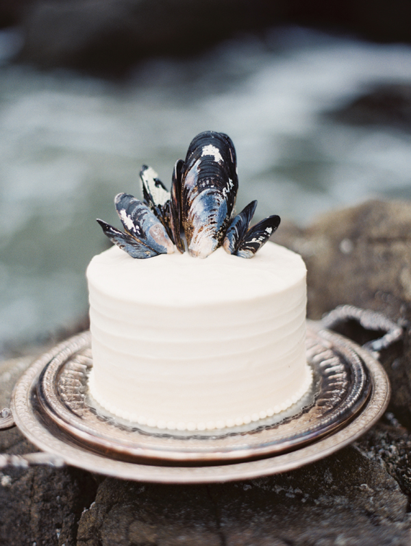 shell-crowned-wedding-cake.jpg