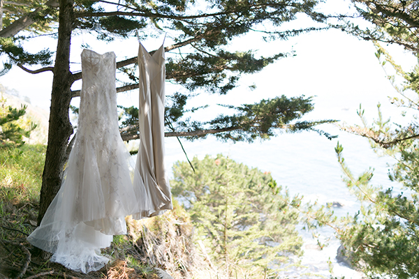 joy-thigpen-wedding-stylist-designer-planning-planner-destination-beach-magazine-feature-big-sur-destination-wedding-paion-4.jpg