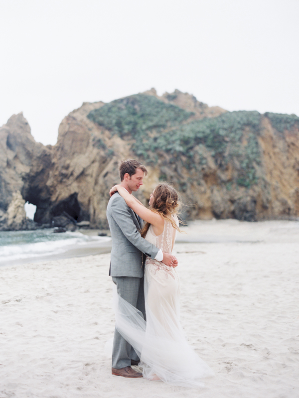 joy-thigpen-wedding-planner-stylist-designer-beach-destination-big-sur-california-julia-pfeiffer-burns-state-park-7.jpg