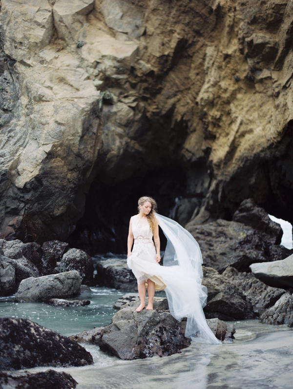 joy-thigpen-wedding-planner-stylist-designer-beach-destination-big-sur-california-julia-pfeiffer-burns-state-park-17.jpg