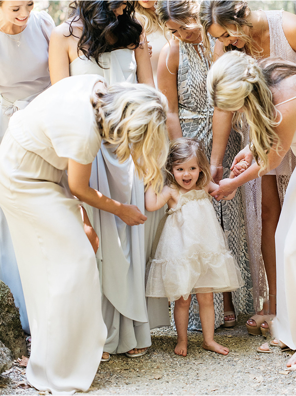 joy-thigpen-wedding-destination-napa-party-bridesmaid-flowergirl-family-mother-naturals-blue-summer