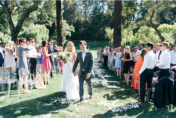 joy-thigpen-wedding-modern-elegant-redwoods-destination-aisle-meadowood