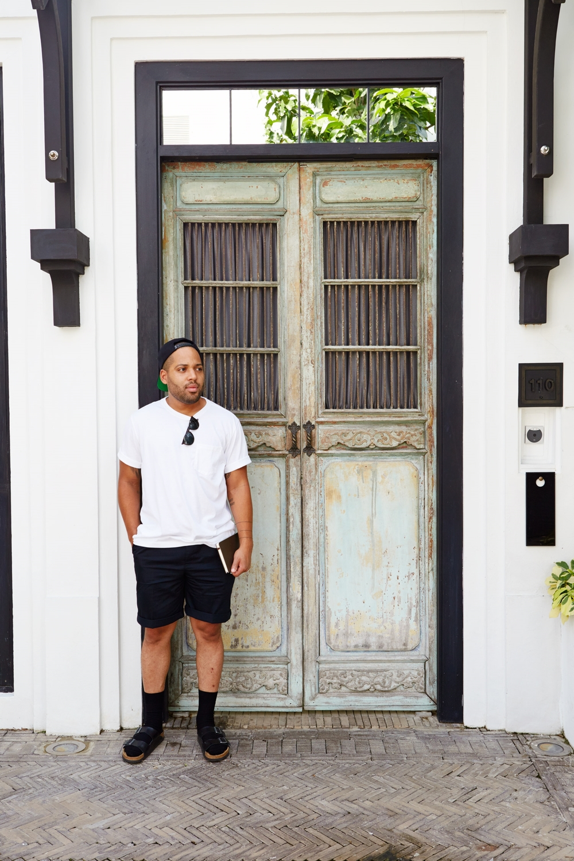 Photo by Rochelle Gan | Single Pleat Shorts & Pocket T by Lands' End
