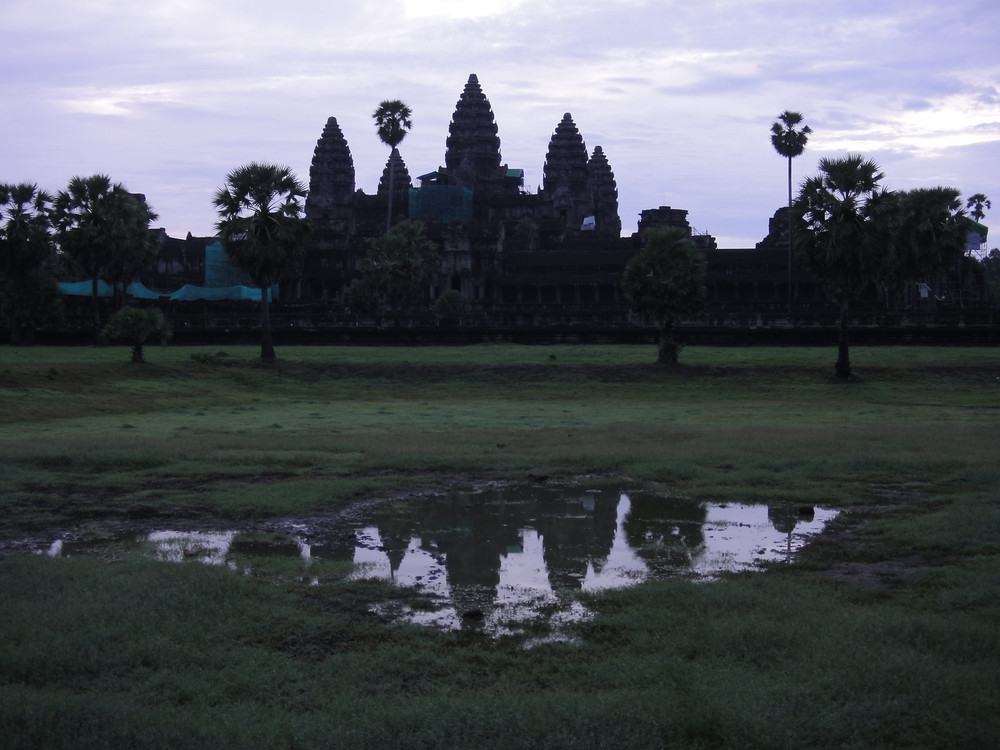 Sunrise at entrance to Angkor Wat (Cambodia)