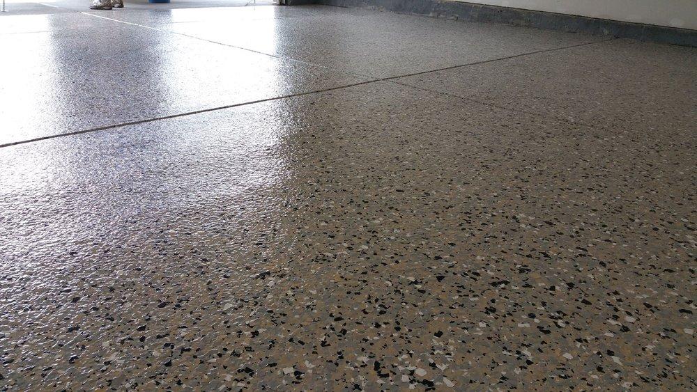 epoxy floor flake gray.jpg