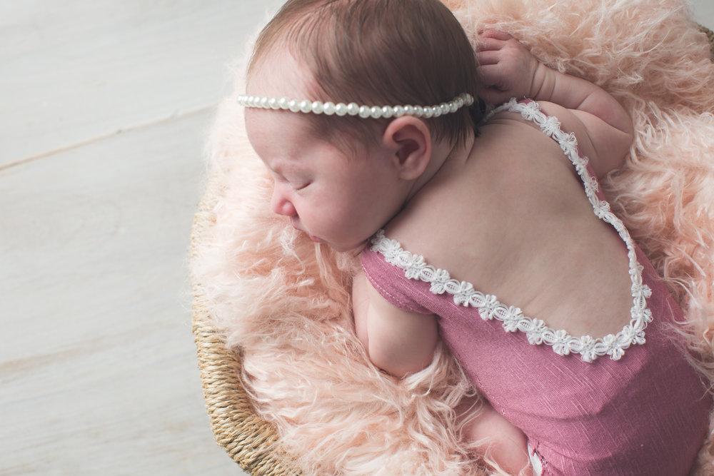 Johnson Newborn-14.jpg