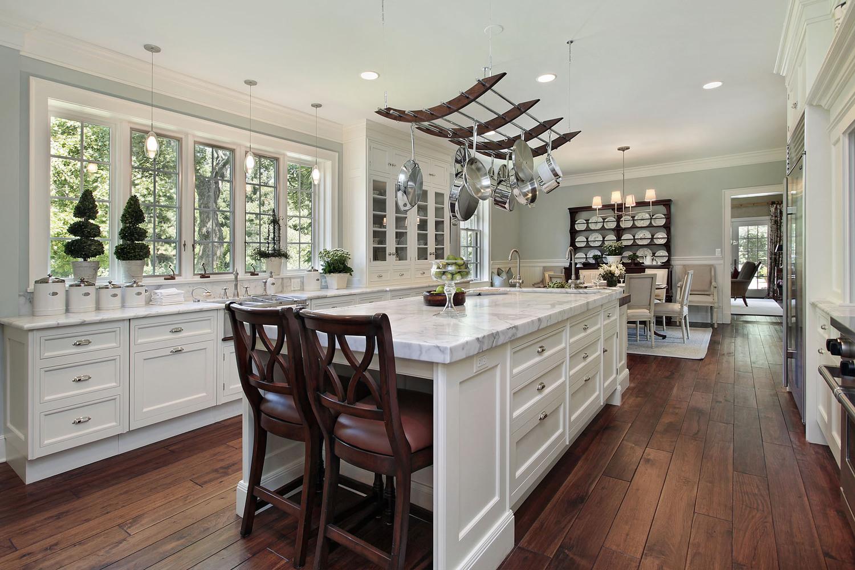 comptoir de cuisine — granite au sommet